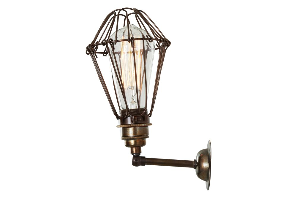 https://res.cloudinary.com/clippings/image/upload/t_big/dpr_auto,f_auto,w_auto/v1525322622/products/cotonou-wall-light-mullan-mullan-lighting-clippings-10120211.jpg