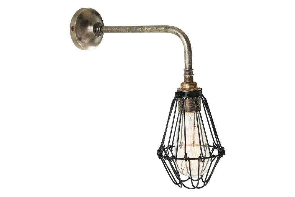 https://res.cloudinary.com/clippings/image/upload/t_big/dpr_auto,f_auto,w_auto/v1525322999/products/praia-wall-light-mullan-mullan-lighting-clippings-10120261.jpg