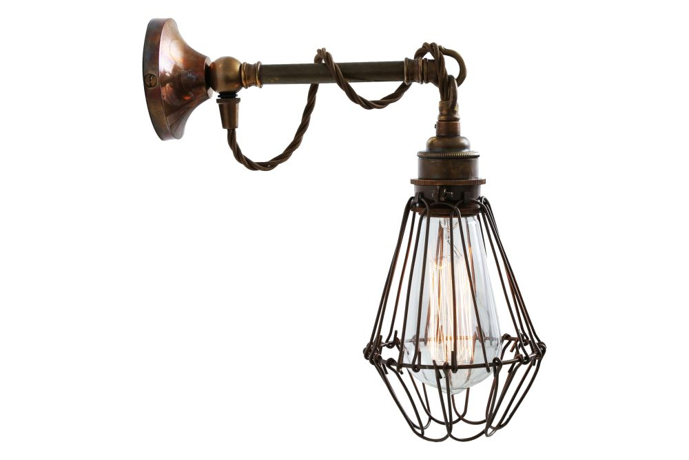 https://res.cloudinary.com/clippings/image/upload/t_big/dpr_auto,f_auto,w_auto/v1525325309/products/edom-wall-light-mullan-mullan-lighting-clippings-10120901.jpg