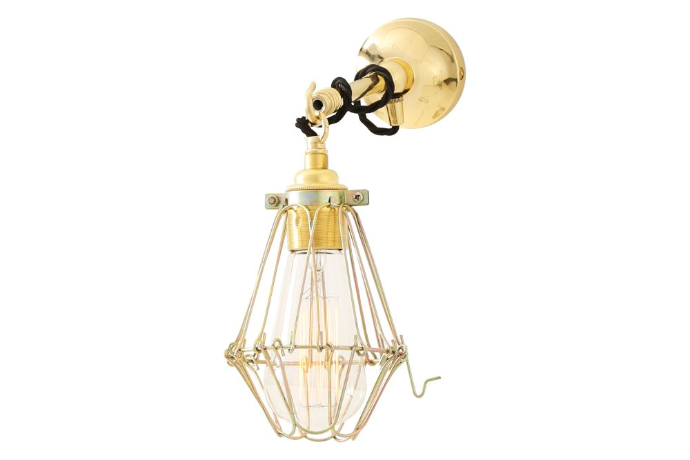 https://res.cloudinary.com/clippings/image/upload/t_big/dpr_auto,f_auto,w_auto/v1525325312/products/edom-wall-light-mullan-mullan-lighting-clippings-10120911.jpg
