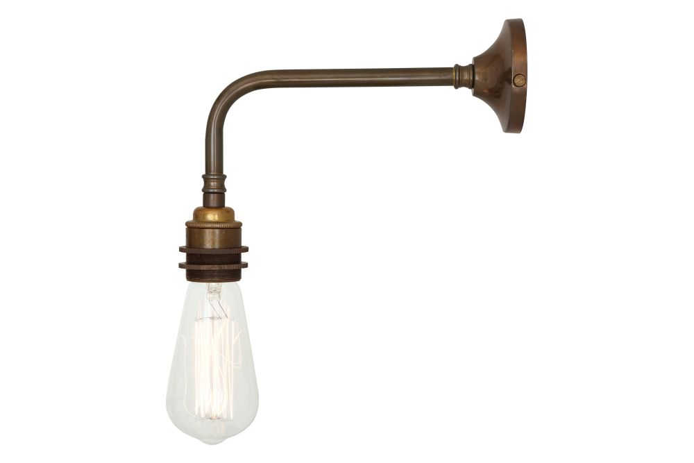 https://res.cloudinary.com/clippings/image/upload/t_big/dpr_auto,f_auto,w_auto/v1525326153/products/lome-industrial-wall-light-mullan-mullan-lighting-clippings-10121131.jpg