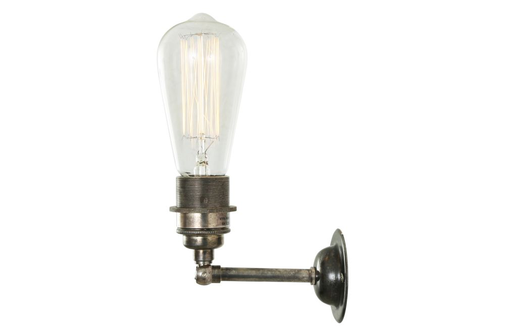 https://res.cloudinary.com/clippings/image/upload/t_big/dpr_auto,f_auto,w_auto/v1525326584/products/lome-vintage-minimalist-wall-light-mullan-mullan-lighting-clippings-10121201.jpg
