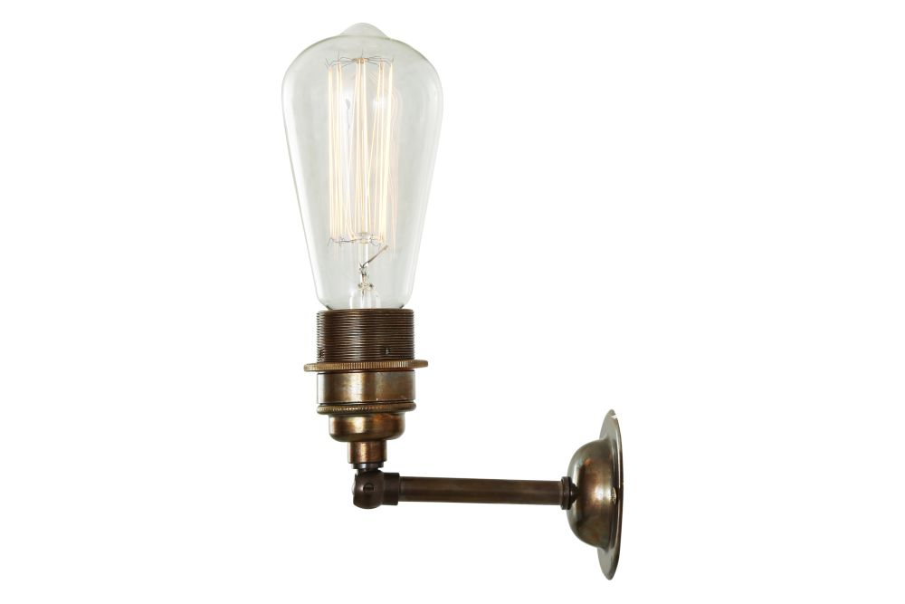 https://res.cloudinary.com/clippings/image/upload/t_big/dpr_auto,f_auto,w_auto/v1525326586/products/lome-vintage-minimalist-wall-light-mullan-mullan-lighting-clippings-10121211.jpg