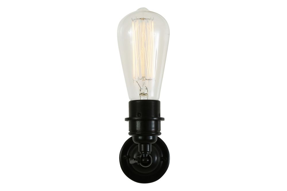https://res.cloudinary.com/clippings/image/upload/t_big/dpr_auto,f_auto,w_auto/v1525326586/products/lome-vintage-minimalist-wall-light-mullan-mullan-lighting-clippings-10121221.jpg