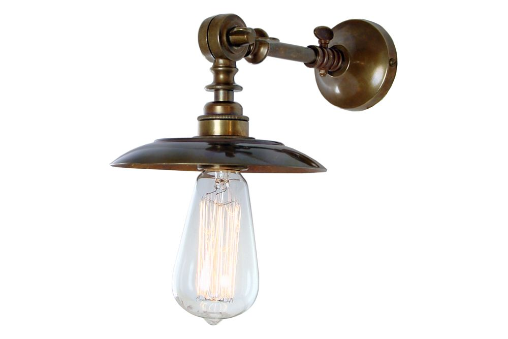 https://res.cloudinary.com/clippings/image/upload/t_big/dpr_auto,f_auto,w_auto/v1525326901/products/porter-wall-light-mullan-mullan-lighting-clippings-10121281.jpg