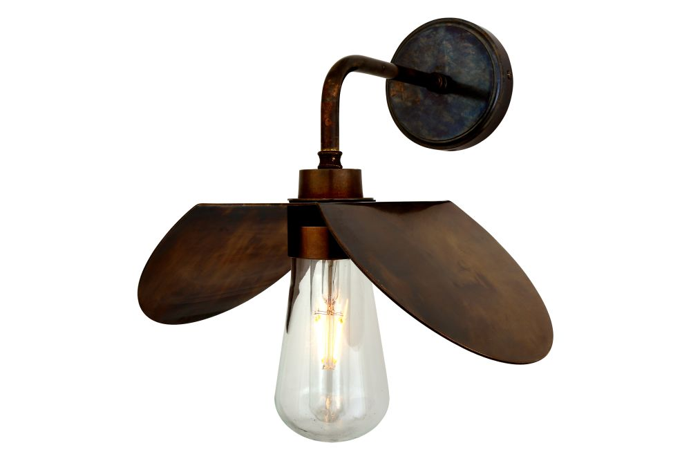 https://res.cloudinary.com/clippings/image/upload/t_big/dpr_auto,f_auto,w_auto/v1525332825/products/hali-wall-light-mullan-mullan-lighting-clippings-10122381.jpg