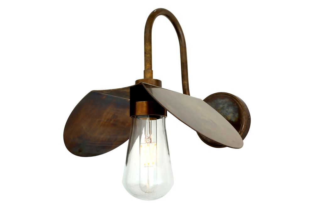 https://res.cloudinary.com/clippings/image/upload/t_big/dpr_auto,f_auto,w_auto/v1525332924/products/hali-swan-neck-wall-light-mullan-mullan-lighting-clippings-10122431.jpg