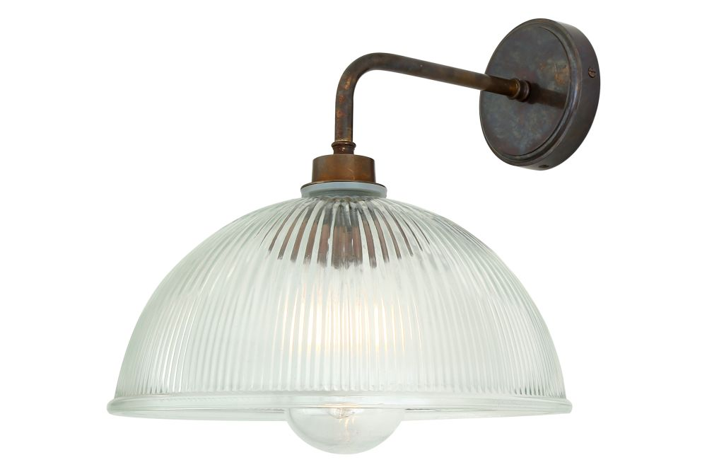https://res.cloudinary.com/clippings/image/upload/t_big/dpr_auto,f_auto,w_auto/v1525335408/products/maris-wall-light-mullan-mullan-lighting-clippings-10122931.jpg