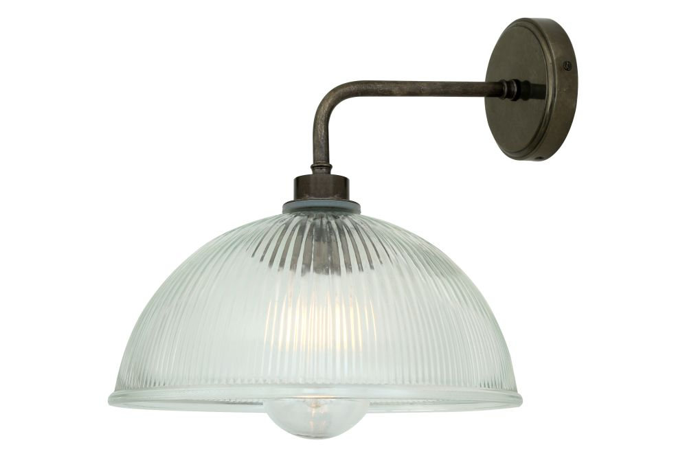 https://res.cloudinary.com/clippings/image/upload/t_big/dpr_auto,f_auto,w_auto/v1525335417/products/maris-wall-light-mullan-mullan-lighting-clippings-10122981.jpg