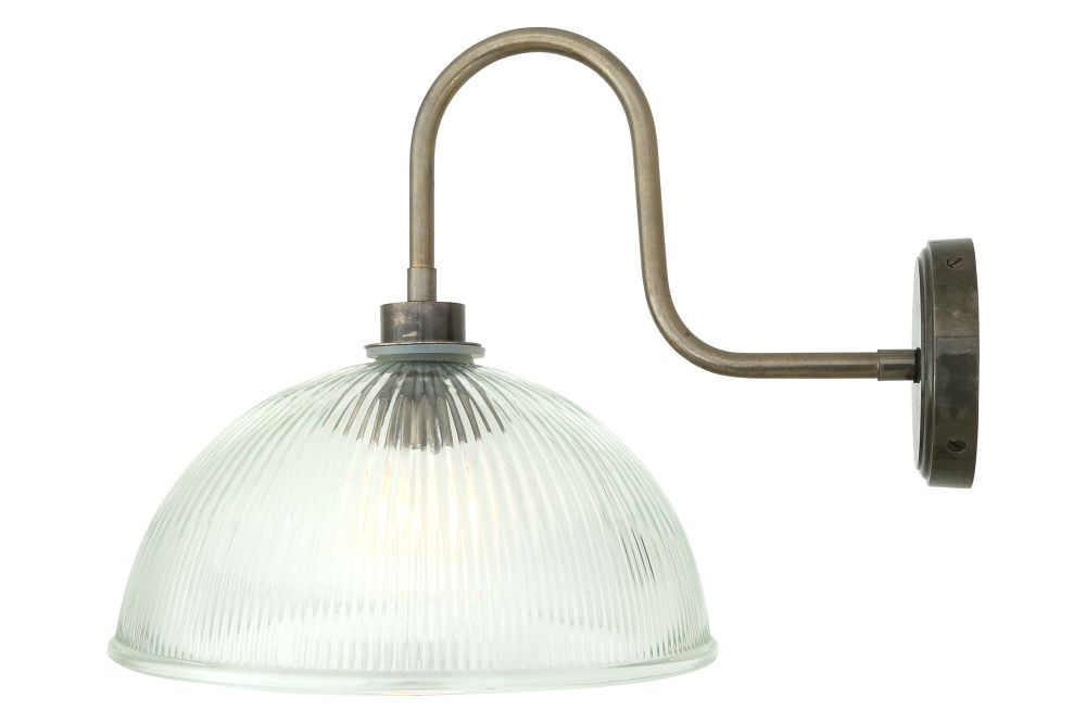 https://res.cloudinary.com/clippings/image/upload/t_big/dpr_auto,f_auto,w_auto/v1525335734/products/maris-swan-neck-wall-light-mullan-mullan-lighting-clippings-10123111.jpg