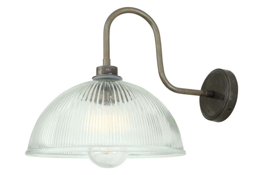 https://res.cloudinary.com/clippings/image/upload/t_big/dpr_auto,f_auto,w_auto/v1525335740/products/maris-swan-neck-wall-light-mullan-mullan-lighting-clippings-10123131.jpg
