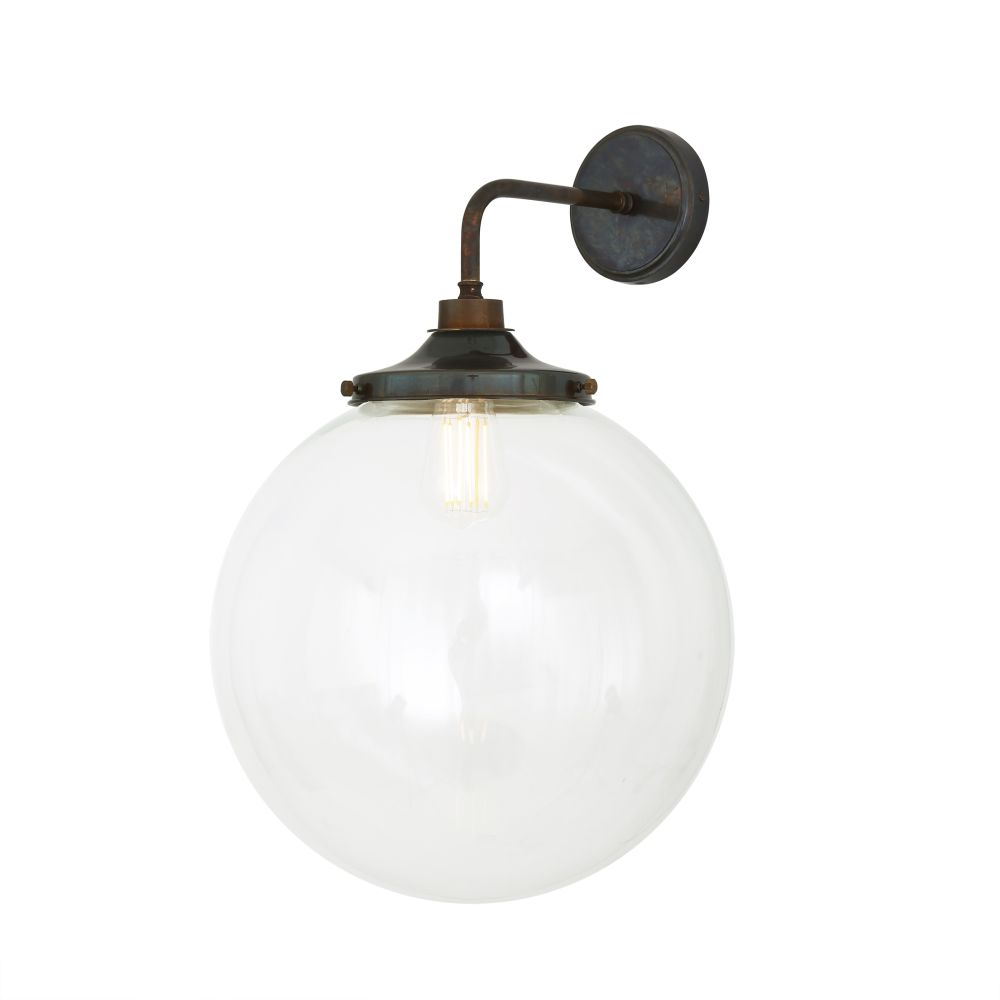 https://res.cloudinary.com/clippings/image/upload/t_big/dpr_auto,f_auto,w_auto/v1525336742/products/laguna-wall-light-mullan-mullan-lighting-clippings-10123551.jpg