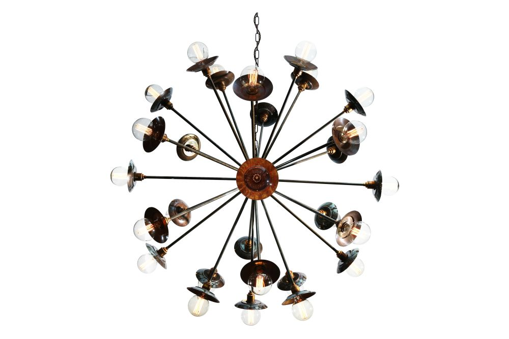https://res.cloudinary.com/clippings/image/upload/t_big/dpr_auto,f_auto,w_auto/v1525344782/products/tokyo-chandelier-mullan-mullan-lighting-clippings-10126981.jpg