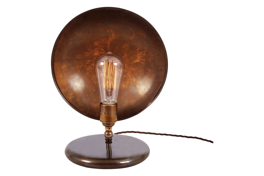 https://res.cloudinary.com/clippings/image/upload/t_big/dpr_auto,f_auto,w_auto/v1525415622/products/cullen-table-lamp-mullan-mullan-lighting-clippings-10134431.jpg