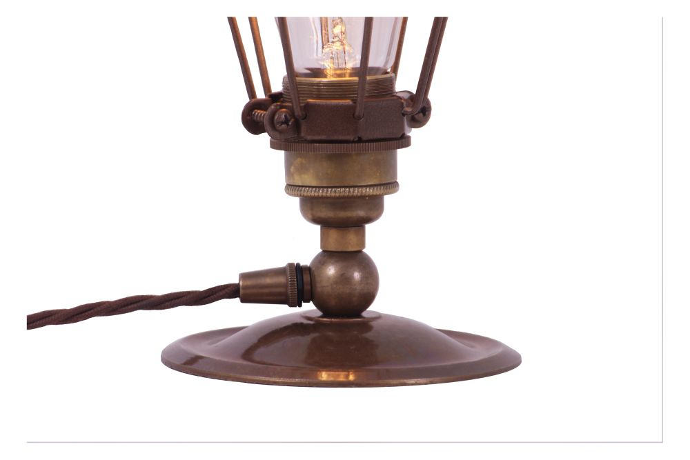 https://res.cloudinary.com/clippings/image/upload/t_big/dpr_auto,f_auto,w_auto/v1525418007/products/vox-table-lamp-mullan-mullan-lighting-clippings-10135631.jpg