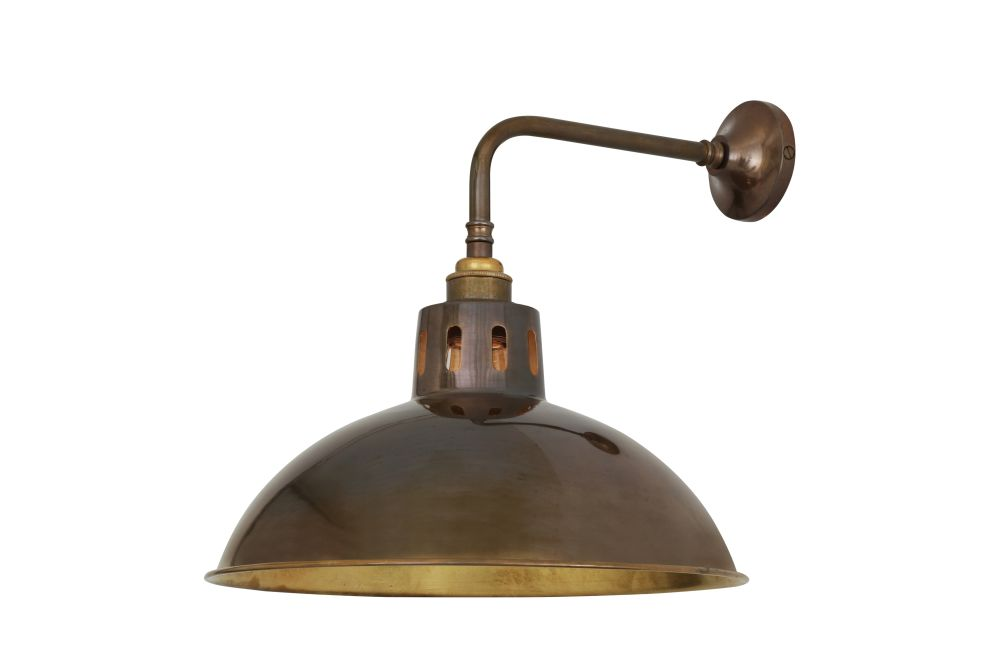 https://res.cloudinary.com/clippings/image/upload/t_big/dpr_auto,f_auto,w_auto/v1525418243/products/paris-wall-light-mullan-mullan-lighting-clippings-10135661.jpg