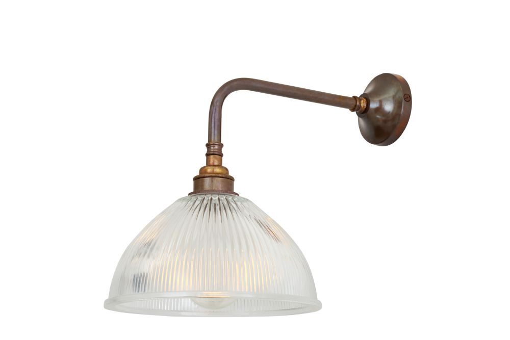https://res.cloudinary.com/clippings/image/upload/t_big/dpr_auto,f_auto,w_auto/v1525425856/products/dhaka-industrial-wall-light-mullan-mullan-lighting-clippings-10138731.jpg