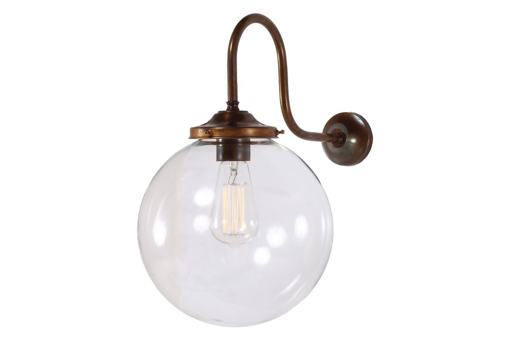 https://res.cloudinary.com/clippings/image/upload/t_big/dpr_auto,f_auto,w_auto/v1525426818/products/riad-clear-globe-wall-light-mullan-mullan-lighting-clippings-10139121.jpg