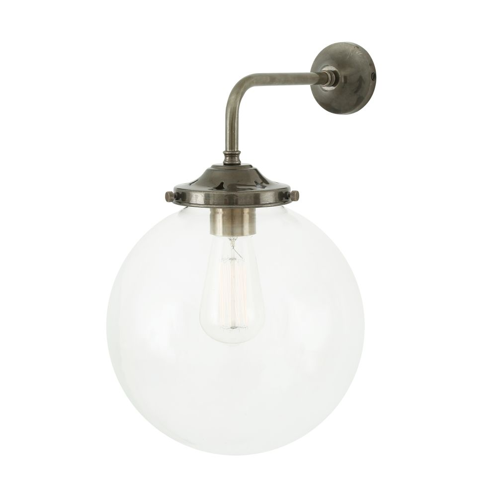 https://res.cloudinary.com/clippings/image/upload/t_big/dpr_auto,f_auto,w_auto/v1525427125/products/bamako-globe-wall-light-mullan-mullan-lighting-clippings-10139191.jpg