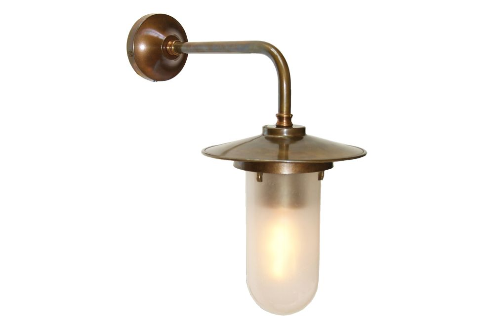 https://res.cloudinary.com/clippings/image/upload/t_big/dpr_auto,f_auto,w_auto/v1525672632/products/florin-well-glass-wall-light-mullan-mullan-lighting-clippings-10144031.jpg