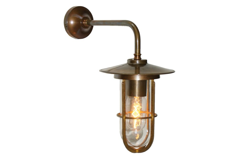 https://res.cloudinary.com/clippings/image/upload/t_big/dpr_auto,f_auto,w_auto/v1525673076/products/lena-well-glass-wall-light-mullan-mullan-lighting-clippings-10144091.jpg