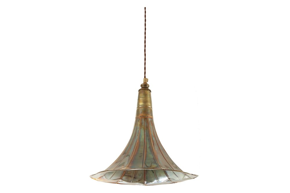 https://res.cloudinary.com/clippings/image/upload/t_big/dpr_auto,f_auto,w_auto/v1525819771/products/gramophone-pendant-light-mullan-mullan-lighting-clippings-10151851.jpg