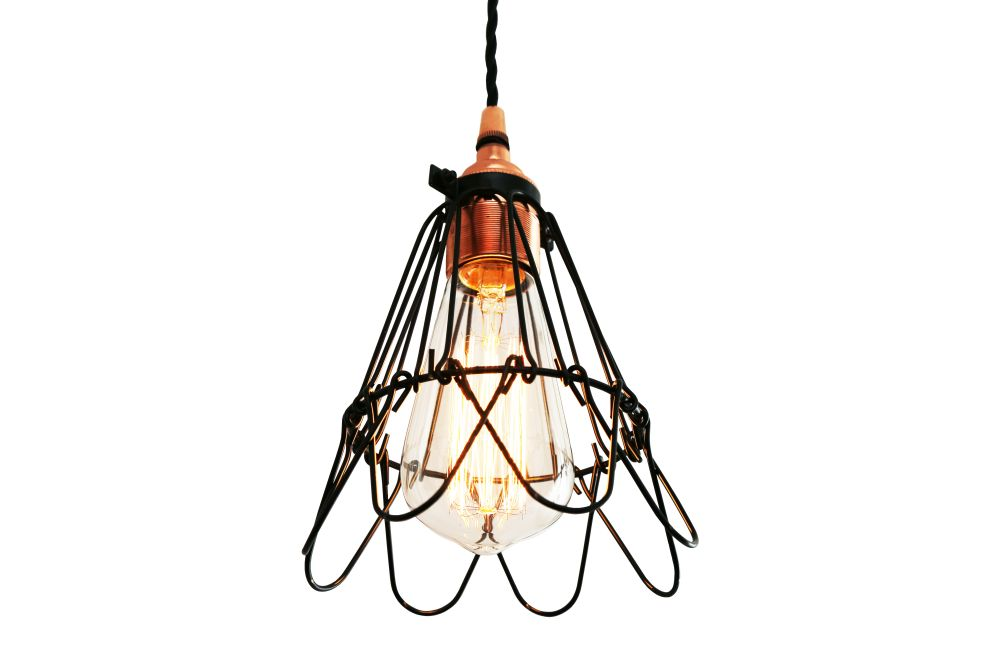 https://res.cloudinary.com/clippings/image/upload/t_big/dpr_auto,f_auto,w_auto/v1525823848/products/juba-pendant-light-mullan-mullan-lighting-clippings-10153041.jpg