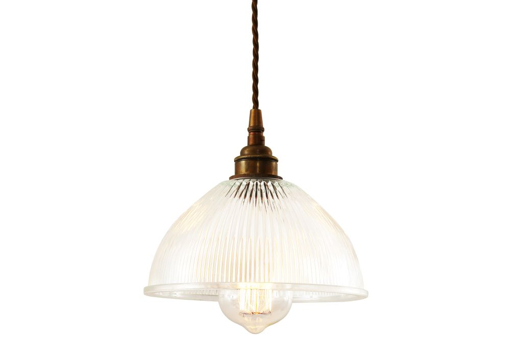 https://res.cloudinary.com/clippings/image/upload/t_big/dpr_auto,f_auto,w_auto/v1525826226/products/boston-pendant-light-mullan-mullan-lighting-clippings-10154041.jpg
