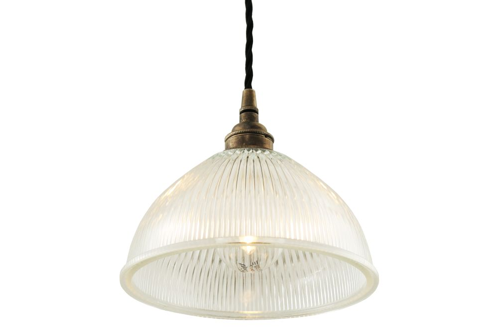 https://res.cloudinary.com/clippings/image/upload/t_big/dpr_auto,f_auto,w_auto/v1525826228/products/boston-pendant-light-mullan-mullan-lighting-clippings-10154061.jpg