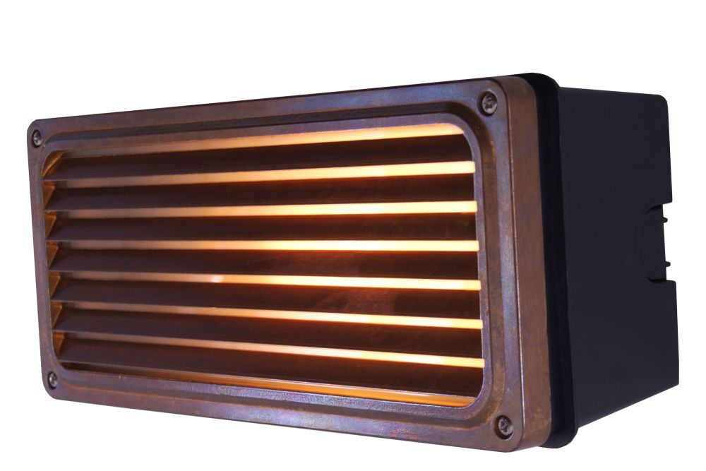 https://res.cloudinary.com/clippings/image/upload/t_big/dpr_auto,f_auto,w_auto/v1525831607/products/agher-wall-light-mullan-mullan-lighting-clippings-10155691.jpg