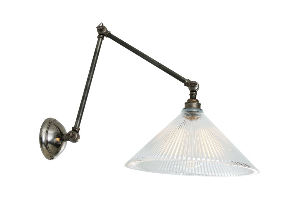 https://res.cloudinary.com/clippings/image/upload/t_big/dpr_auto,f_auto,w_auto/v1525833963/products/rebell-wall-light-mullan-mullan-lighting-clippings-10156551.jpg