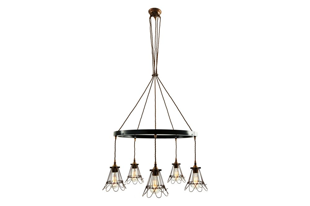 https://res.cloudinary.com/clippings/image/upload/t_big/dpr_auto,f_auto,w_auto/v1525835806/products/praia-1-tier-chandelier-mullan-mullan-lighting-clippings-10157291.jpg