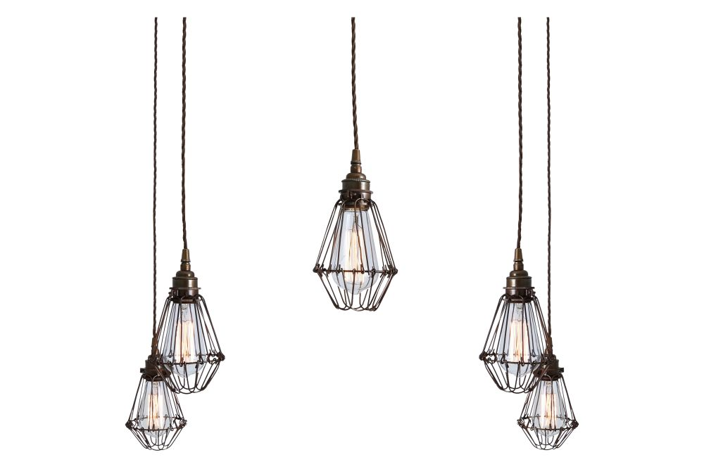https://res.cloudinary.com/clippings/image/upload/t_big/dpr_auto,f_auto,w_auto/v1525839639/products/praia-cluster-chandelier-mullan-lighting-clippings-10158131.jpg