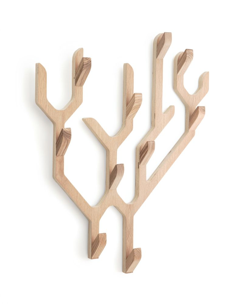 https://res.cloudinary.com/clippings/image/upload/t_big/dpr_auto,f_auto,w_auto/v1526288586/products/ambroise-wall-coat-rack-hart%C3%B4-clippings-10170741.jpg