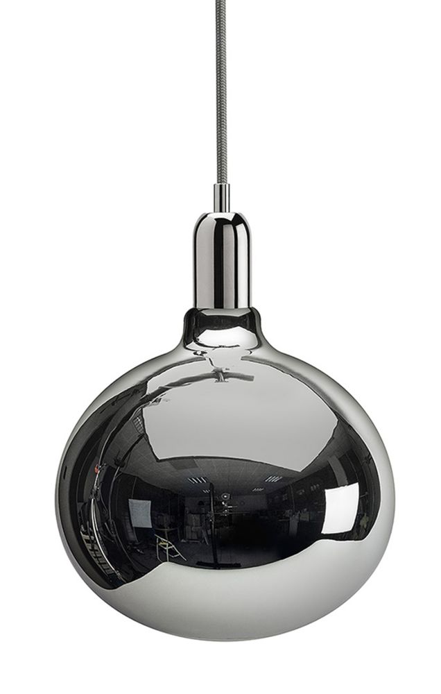https://res.cloudinary.com/clippings/image/upload/t_big/dpr_auto,f_auto,w_auto/v1526300911/products/king-edison-grande-pendant-lamps-mineheart-young-battaglia-clippings-10172141.jpg