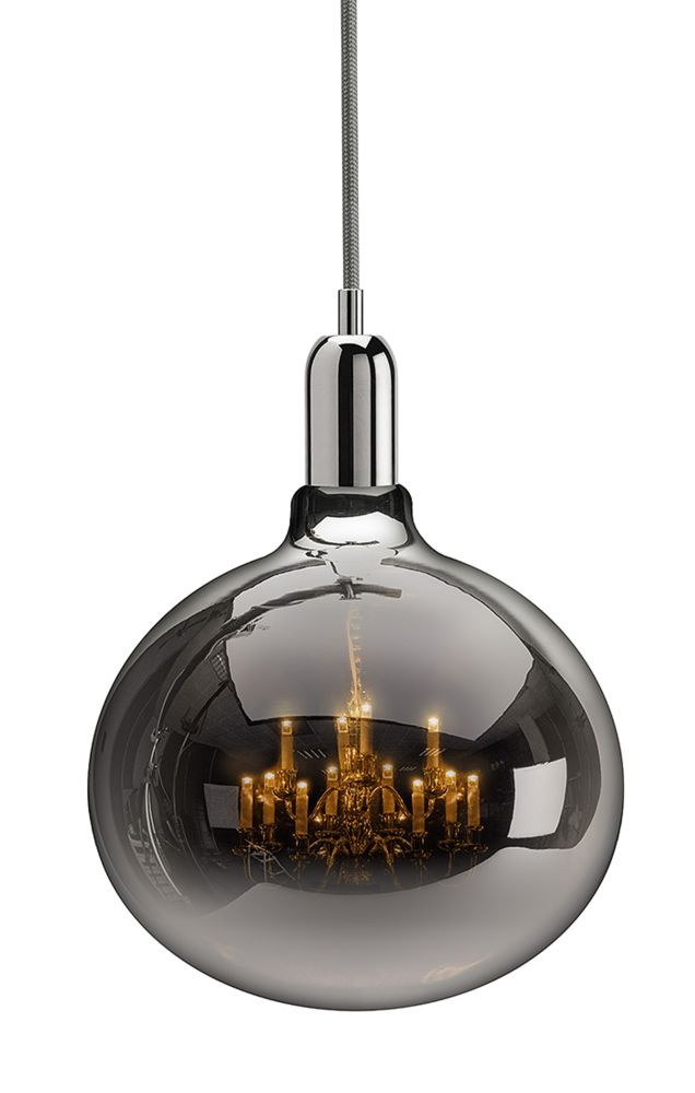 https://res.cloudinary.com/clippings/image/upload/t_big/dpr_auto,f_auto,w_auto/v1526300913/products/king-edison-grande-pendant-lamps-mineheart-young-battaglia-clippings-10172161.jpg