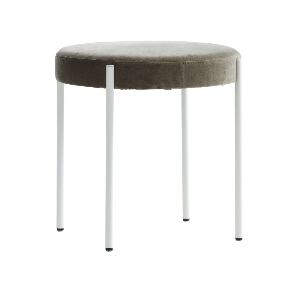 https://res.cloudinary.com/clippings/image/upload/t_big/dpr_auto,f_auto,w_auto/v1526627934/products/series-430-stool-verpan-verner-panton-clippings-10303221.jpg