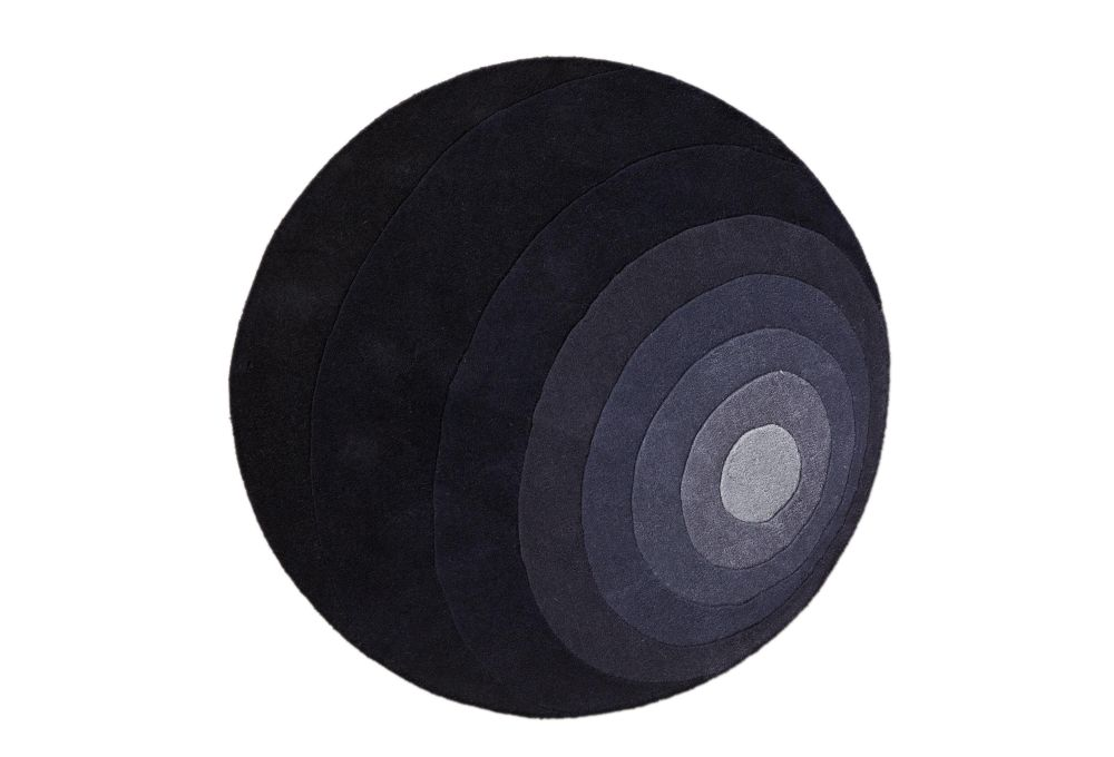 https://res.cloudinary.com/clippings/image/upload/t_big/dpr_auto,f_auto,w_auto/v1528280047/products/luna-rug-verpan-verner-panton-clippings-10457741.jpg