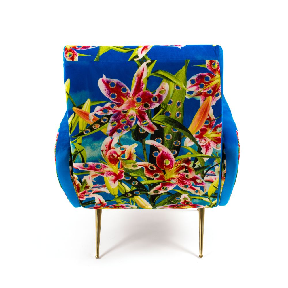 https://res.cloudinary.com/clippings/image/upload/t_big/dpr_auto,f_auto,w_auto/v1528803367/products/toiletpaper-armchair-seletti-toiletpaper-magazine-clippings-10473651.jpg