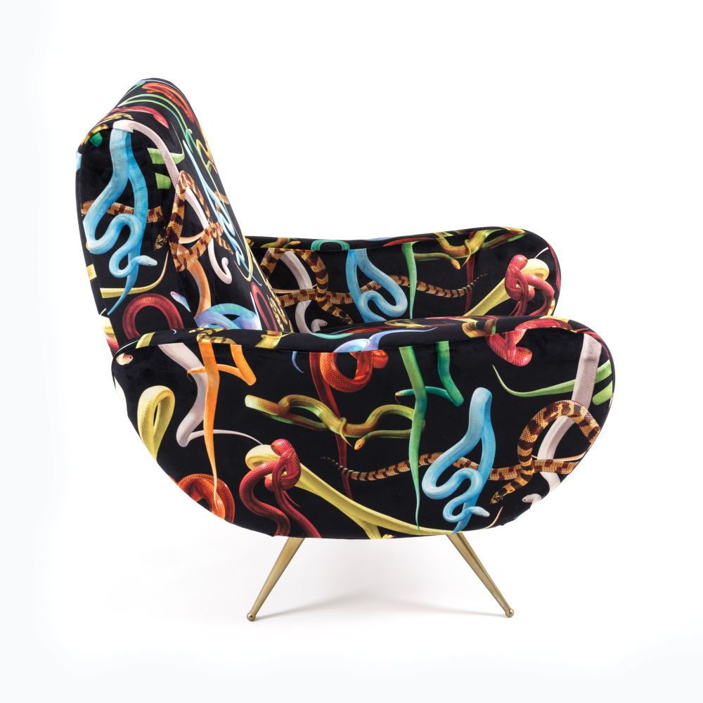 https://res.cloudinary.com/clippings/image/upload/t_big/dpr_auto,f_auto,w_auto/v1528803664/products/toiletpaper-armchair-seletti-toiletpaper-magazine-clippings-10473881.jpg