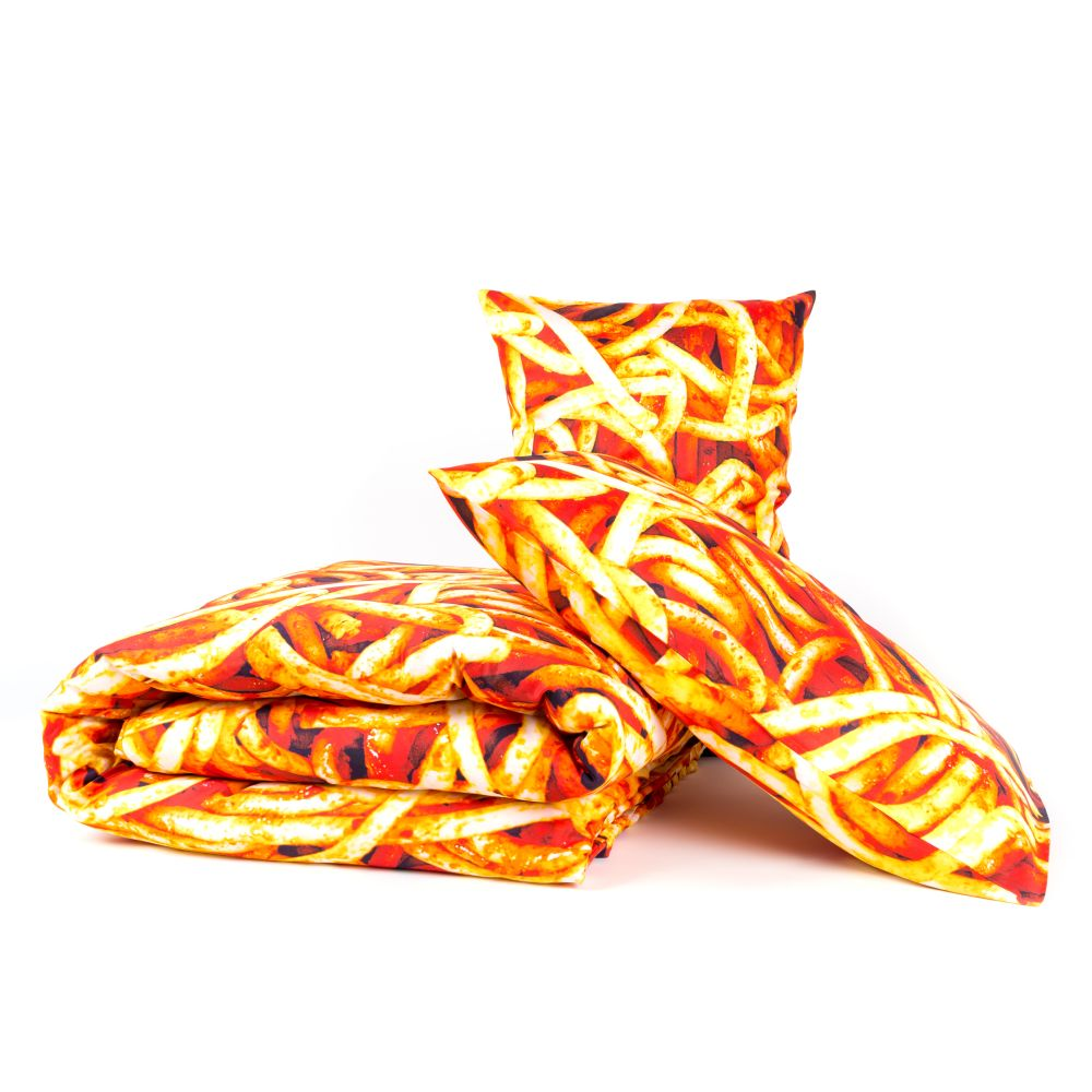 https://res.cloudinary.com/clippings/image/upload/t_big/dpr_auto,f_auto,w_auto/v1528811182/products/bedding-set-seletti-toiletpaper-magazine-clippings-10475771.jpg