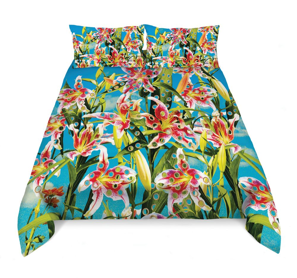 https://res.cloudinary.com/clippings/image/upload/t_big/dpr_auto,f_auto,w_auto/v1528811201/products/bedding-set-seletti-toiletpaper-magazine-clippings-10475801.jpg