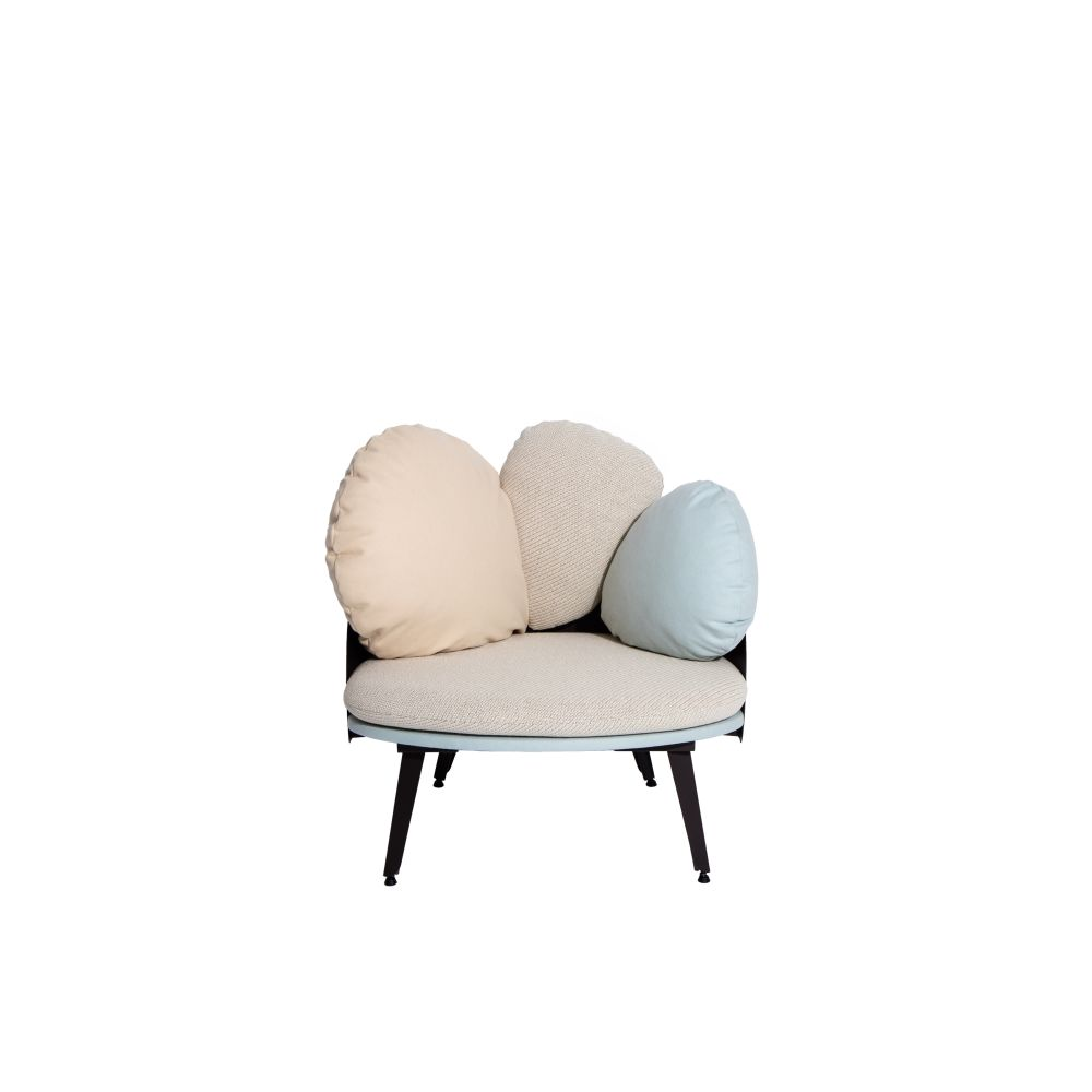https://res.cloudinary.com/clippings/image/upload/t_big/dpr_auto,f_auto,w_auto/v1528882520/products/nubilo-armchair-petite-friture-constance-guisset-studio-clippings-10478721.jpg