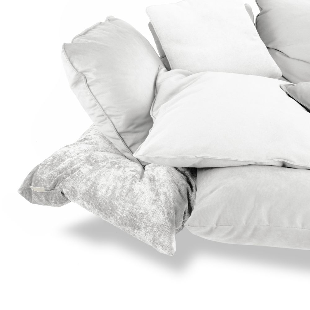https://res.cloudinary.com/clippings/image/upload/t_big/dpr_auto,f_auto,w_auto/v1528963545/products/comfy-sofa-seletti-marcantonio-clippings-10487941.jpg
