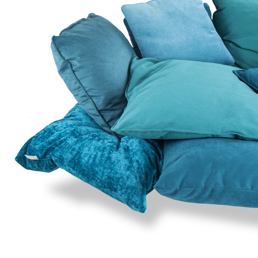 https://res.cloudinary.com/clippings/image/upload/t_big/dpr_auto,f_auto,w_auto/v1528963889/products/comfy-sofa-seletti-marcantonio-clippings-10488851.jpg
