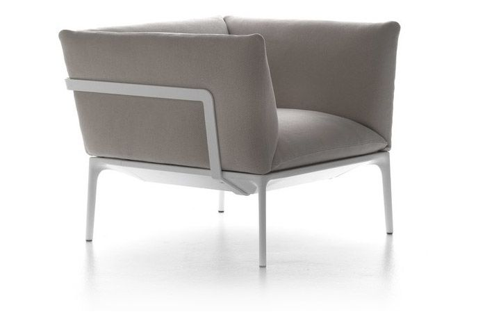 https://res.cloudinary.com/clippings/image/upload/t_big/dpr_auto,f_auto,w_auto/v1530763434/products/yale-armchair-mdf-italia-jean-marie-massaud-clippings-10599801.jpg