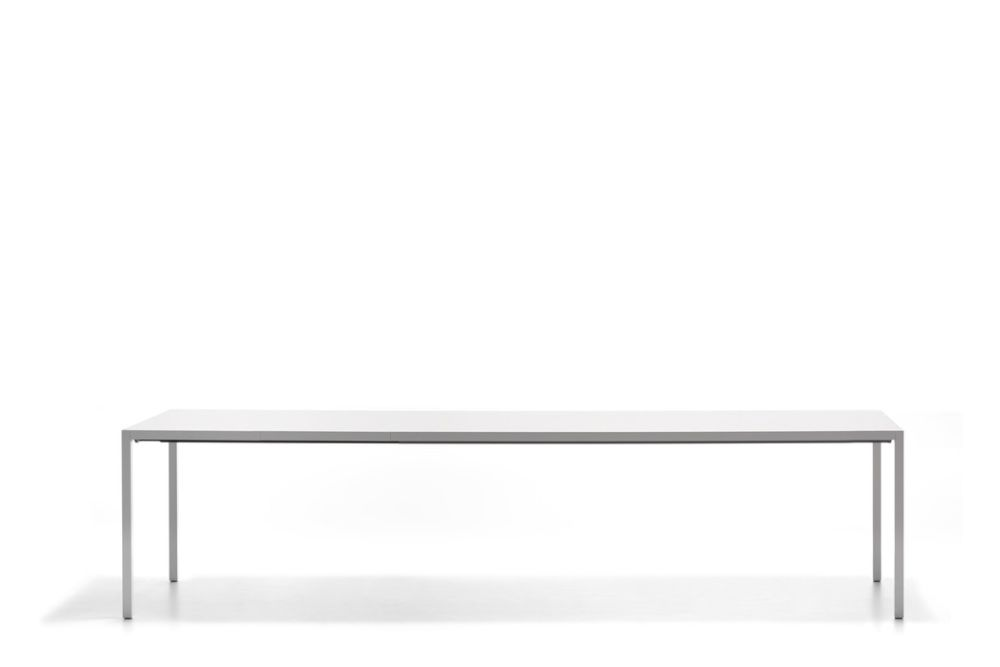 https://res.cloudinary.com/clippings/image/upload/t_big/dpr_auto,f_auto,w_auto/v1530789241/products/extension-dining-table-1-extension-top-mdf-italia-bruno-fattorini-clippings-10602741.jpg