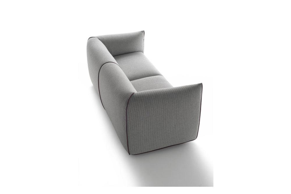 https://res.cloudinary.com/clippings/image/upload/t_big/dpr_auto,f_auto,w_auto/v1530852998/products/mia-sofa-2-seater-mdf-italia-francesco-bettoni-clippings-10605721.jpg