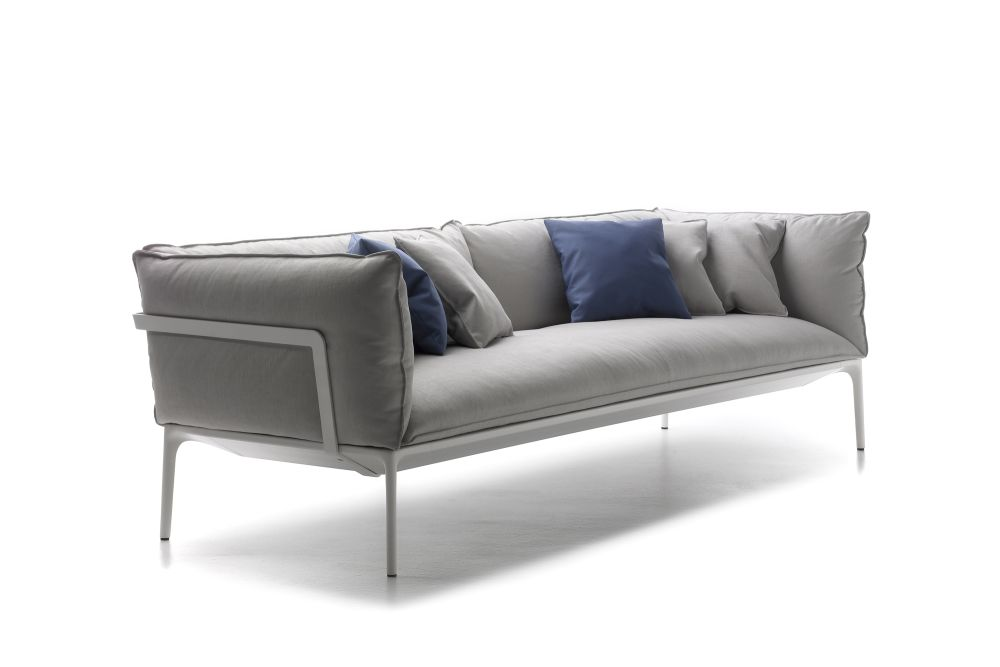 https://res.cloudinary.com/clippings/image/upload/t_big/dpr_auto,f_auto,w_auto/v1530855259/products/yale-sofa-2-seater-mdf-italia-jean-marie-massaud-clippings-10606161.jpg