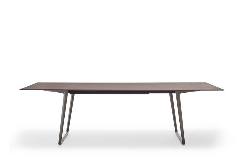 https://res.cloudinary.com/clippings/image/upload/t_big/dpr_auto,f_auto,w_auto/v1530870409/products/axy-comfort-dining-table-mdf-italia-claudio-bellini-clippings-10610221.jpg